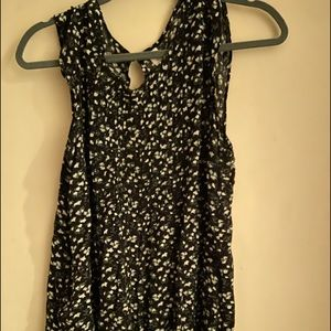 Old navy black and floral tank xl